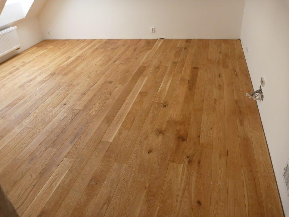 Realizace dřevěné podlahy Dub přírodní rustik 120mm