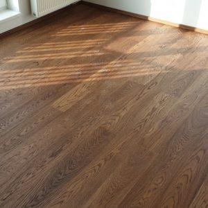 Dřevěná podlaha dub tmavě hnědý