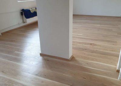 Dřevěná podlaha Dub světlý rustik 190mm v rodinném domku