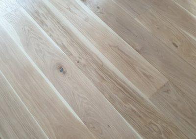 Dřevěná podlaha Dub světlý rustik 190mm v domku