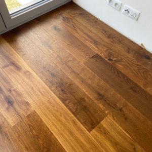 Dřevěná podlaha Dub hnědý kouřový rustik